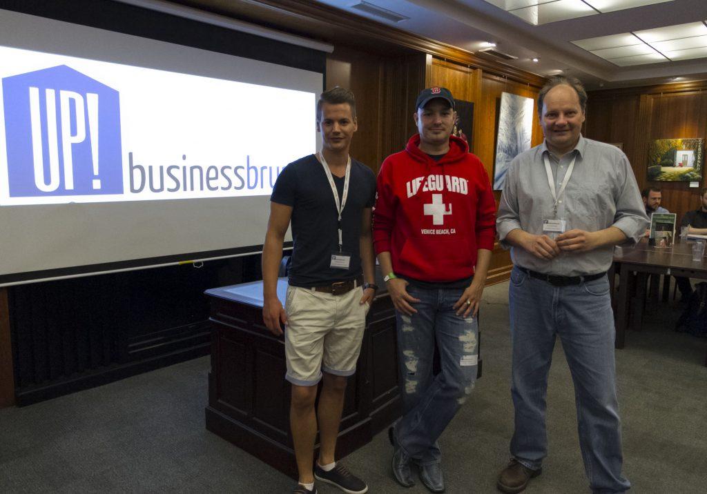 Clemens (l.) und Horst (r.), die beiden Initiatoren des UP Businessbrunch, hatten diesmal Alexander Marten zu Gast. (Foto: Carmen Radeck)